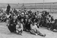 """Roma im """"Zigeunerlager"""" in Bełżec  1940"""