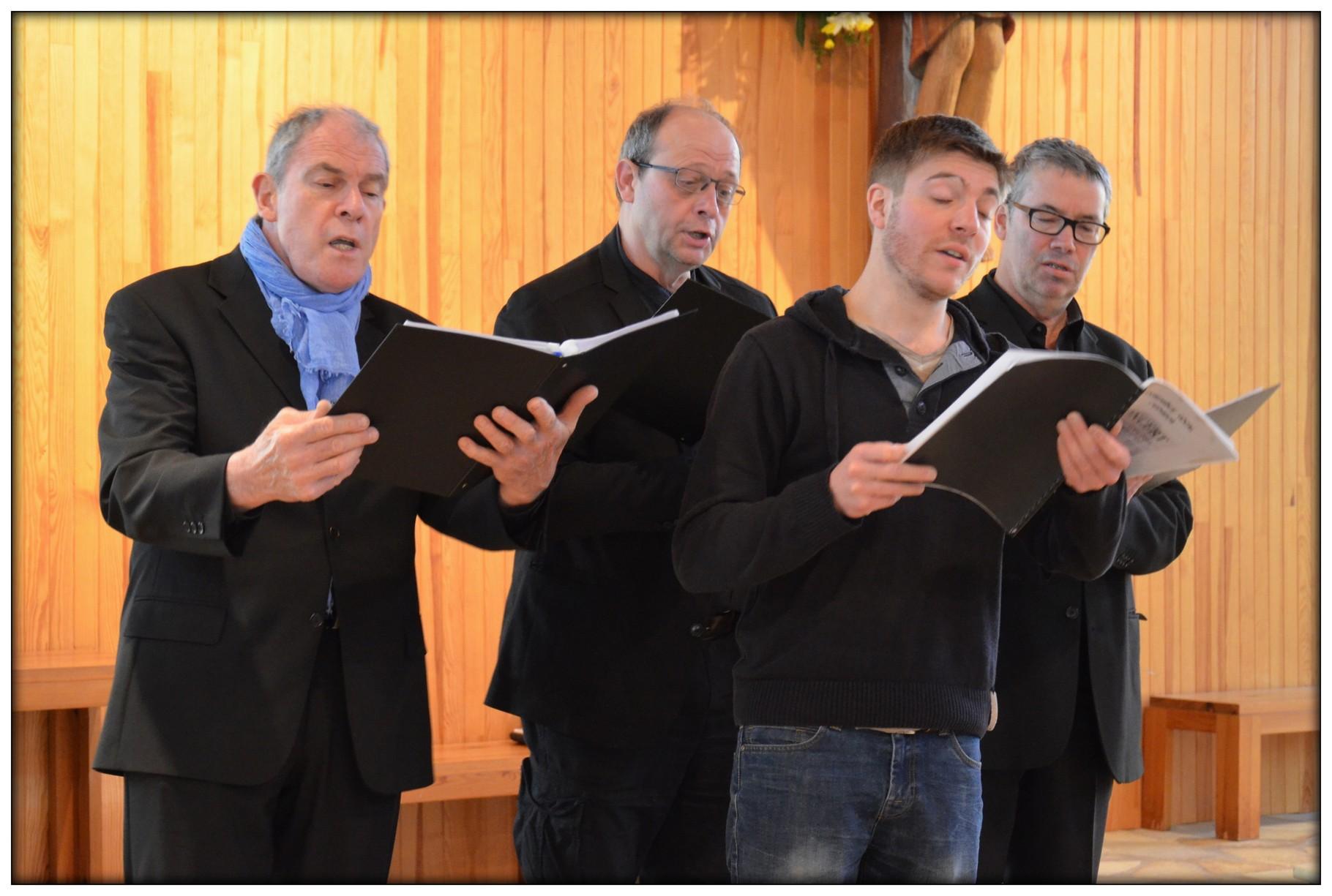 Le pupitre de basses : Noël, Régis, Thierry et Jean-Yves