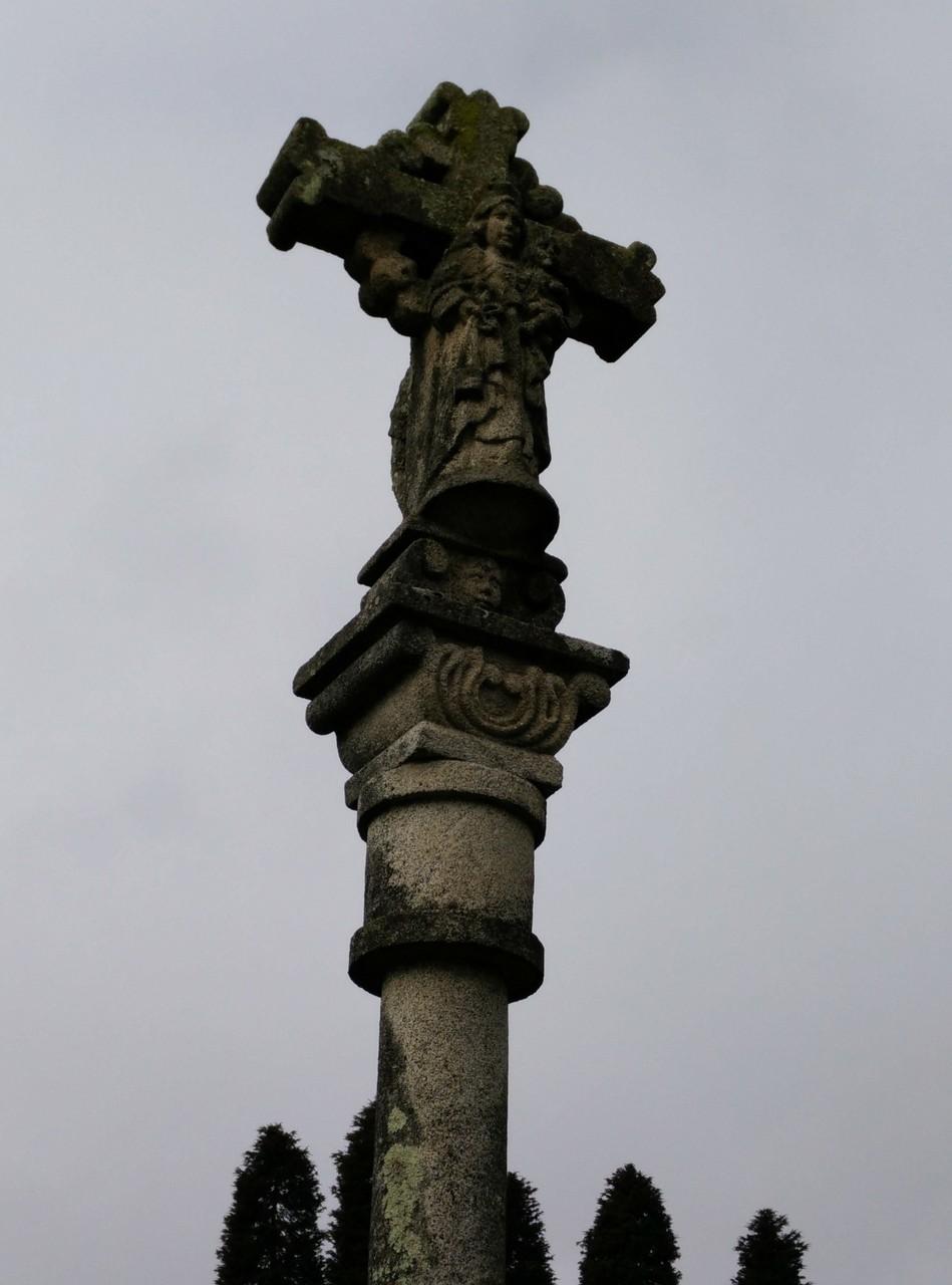 Cruceiro en Tabagón (ctra. gral.), Pontevedra, frontal