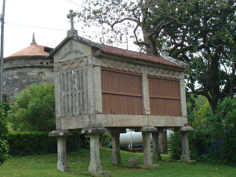 Ctra. Cambados -O Grove, Salesianos, horreo (piorno)