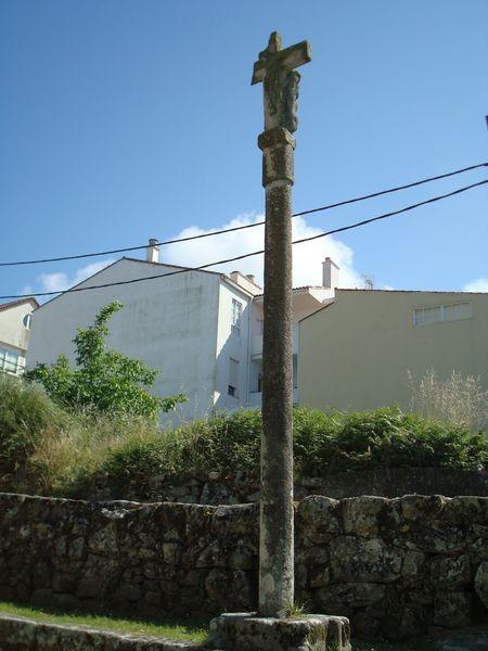 Cruceiro dcho. Excolegiata Sta. María, Baiona