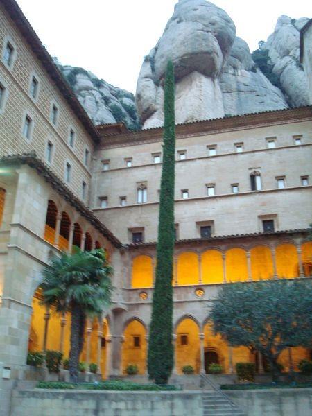 Montserrat, Monasterio