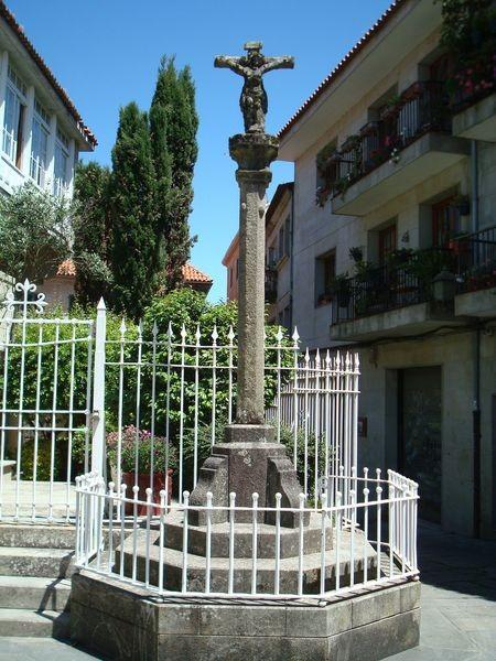 Cruceiro en Pontevedra, Rua de Maceda