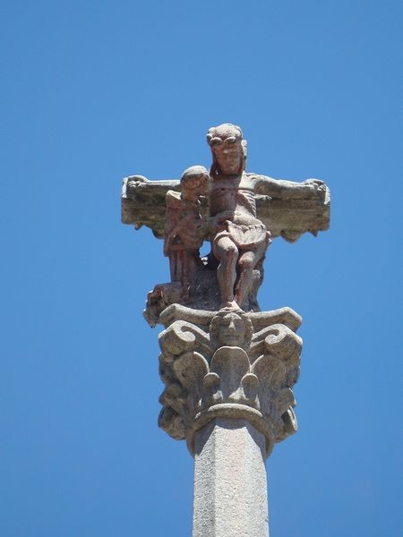 Cruceiro en Pontevedra, Plaza das cinco Ruas, detalle