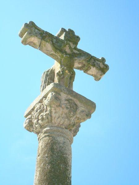Cruceiro izq. Excolegiata Sta. María, Baiona, detalle