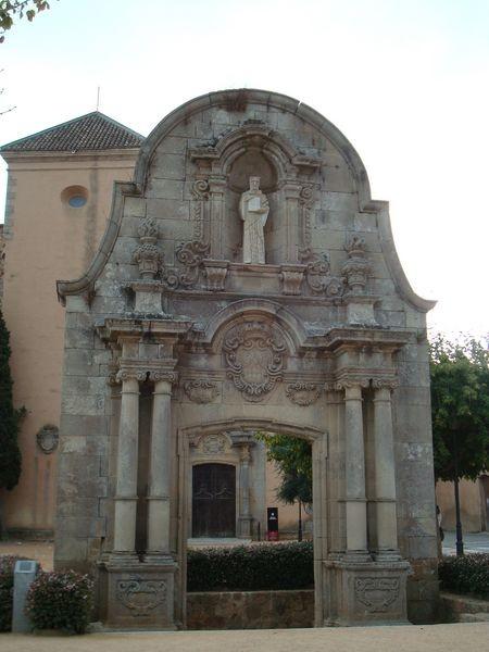 San Feliu de Guixols, Arc de San Benet, conjunto monumental del Monestir