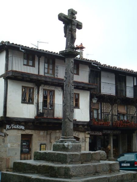 La Alberca (Salamanca) detalle fuste frontal