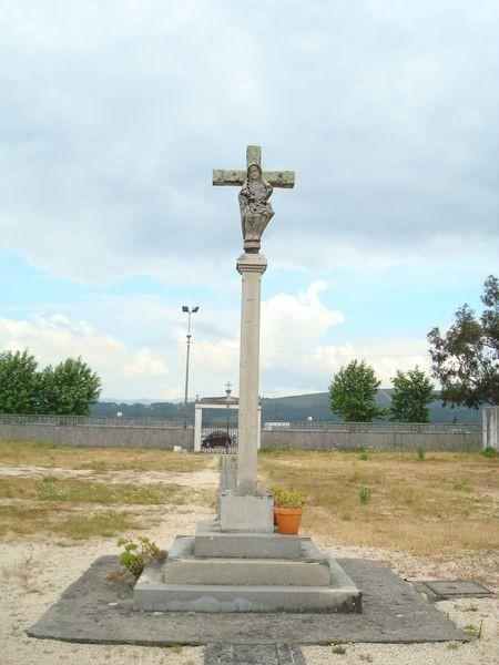 Cruceiro en cimeterio Campanario, Bamio, Vilagarcia de Arosa