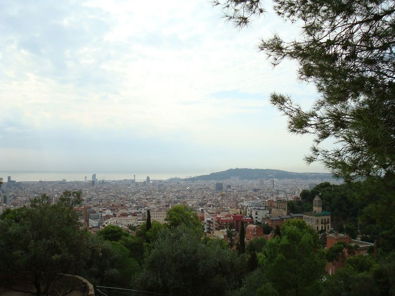 Vista de la ciudad con Montjuic al fondo