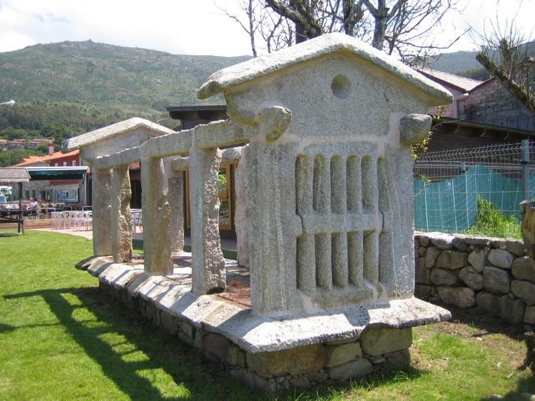 Sta Maria de Oia  detalle estructura