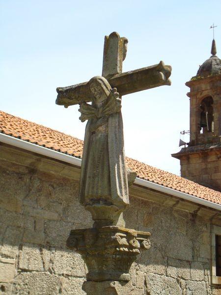 Cruceiro en Iglesia parroquial de Bueu, detalle
