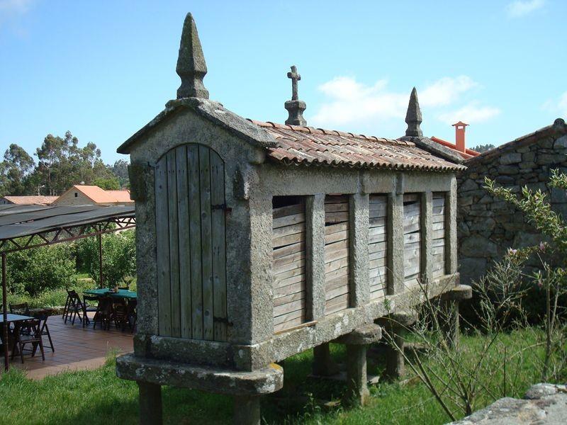 Horreo en Torroña (Oia)