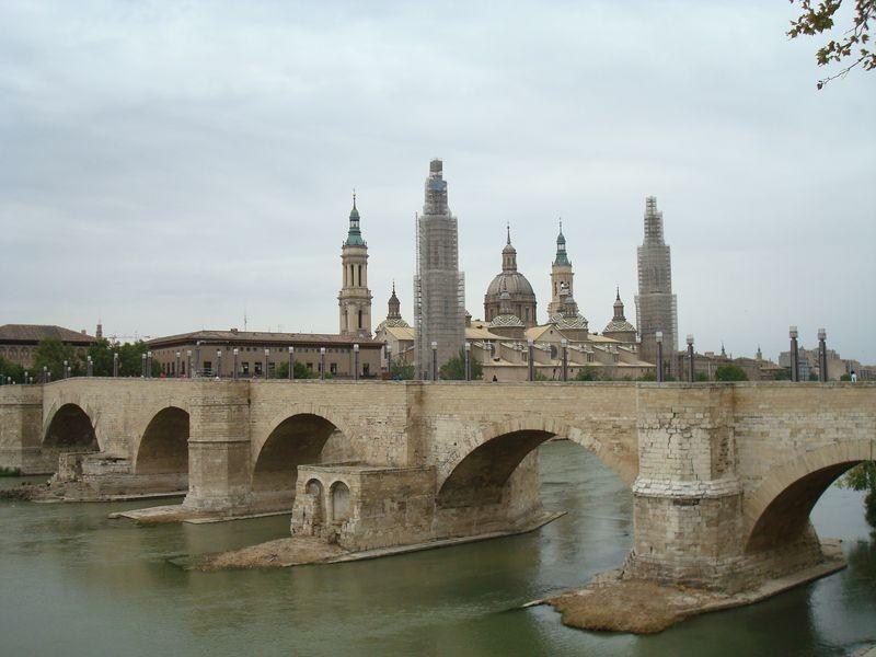 Zaragoza, Puente del Pilar