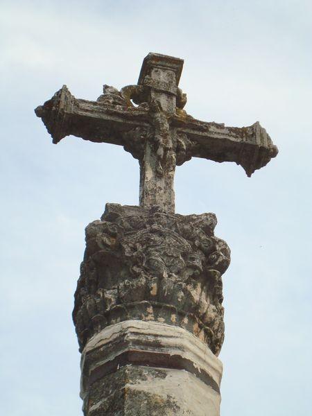 Cruceiro en Alquezar (villa medieval) Huesca