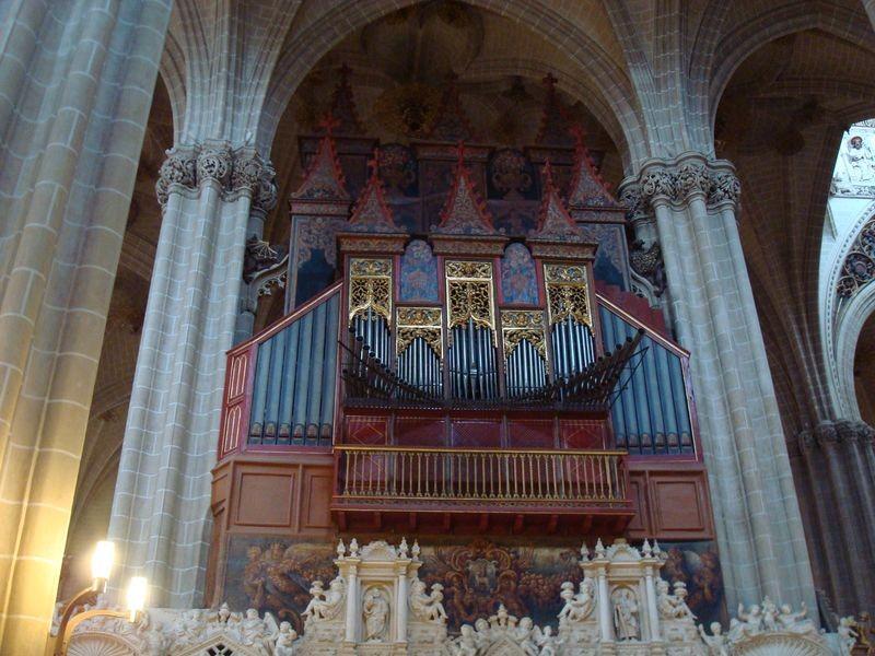 Zaragoza, interior de La Seo, organo