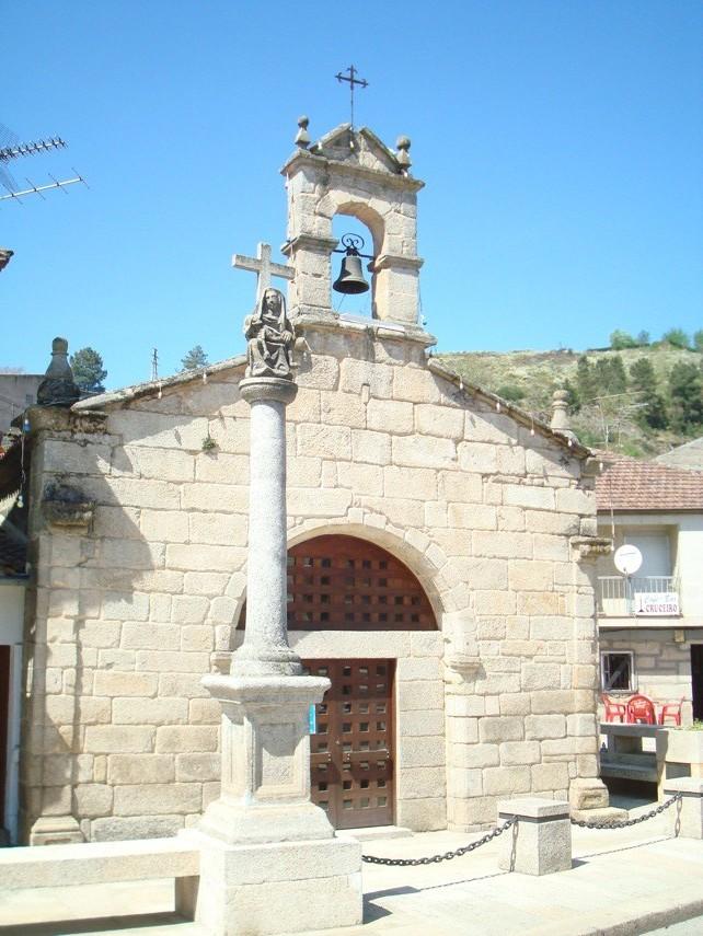 Cruceiro y capilla en Verín