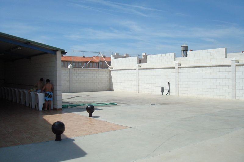 Zona de servicios y Area ACV