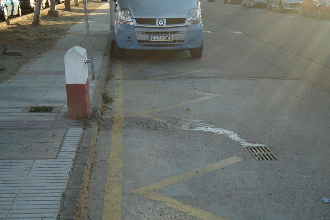 Zona de descargas y aparcamiento
