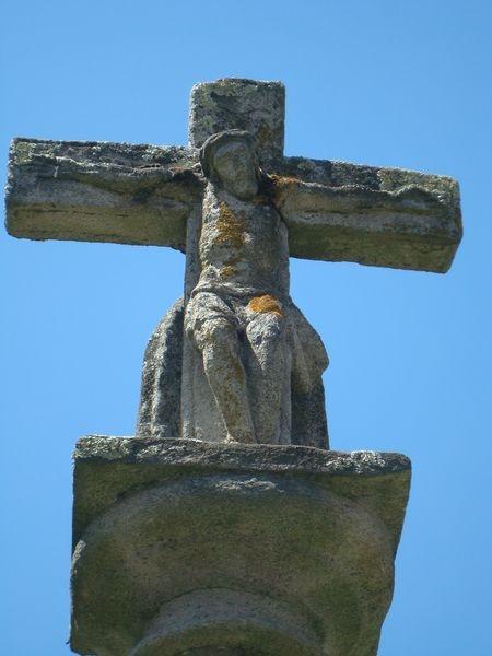 Cruceiro en Pontevedra, Rua Arzobispo Malvaz, detalle