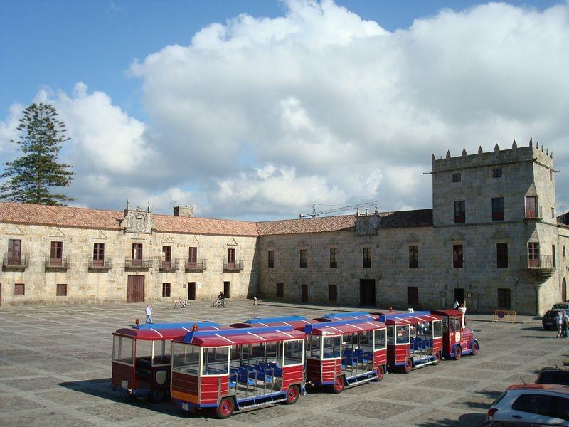 Cambados, plaza de Fefiñames
