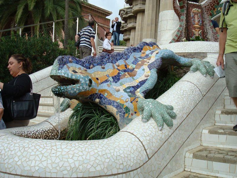 Escultura de la Salamandra (dragón)