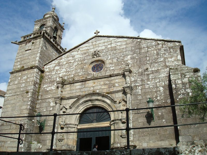 Carríl, Iglesia de Santiago