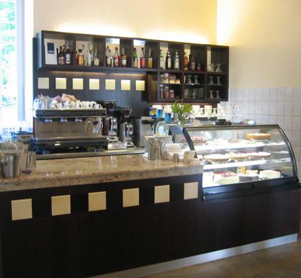 Innenausbau-Tischlerei und Möbelbau sowie Theken und Tresen für Hotel und Gaststätten, Cafe und Restaurant