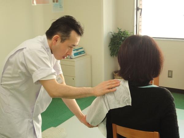 渋谷でよく効くと人気の整体院の肩こり治療
