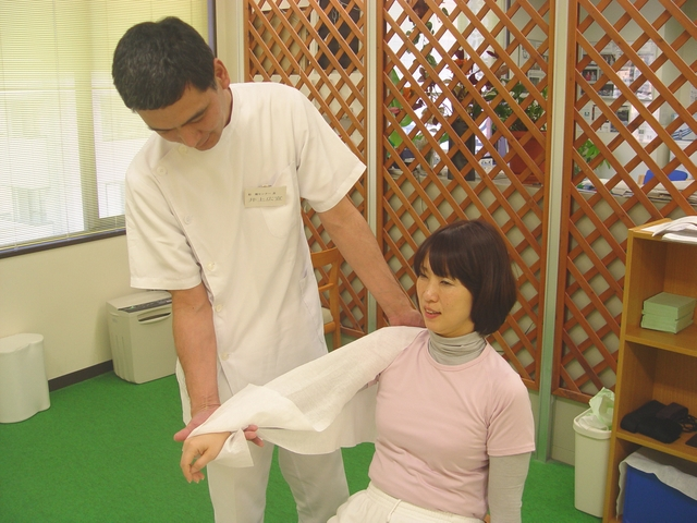 千葉船橋のよく効くと人気の整体院で肩こりスッキリ:川井筋系帯療法 船橋治療センター