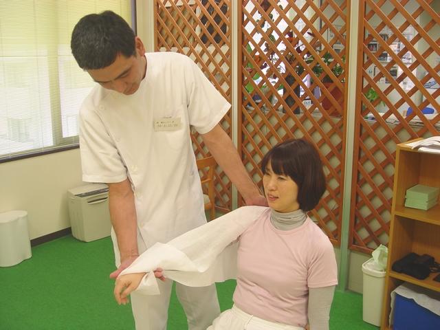 千葉船橋のよく効くと人気の整体院で肩こりスッキリ:川井筋系帯療法式・ 船橋センターRasisatherapy