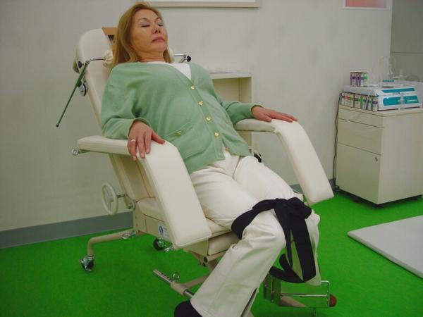 渋谷でよく効くと人気の整体院の猫背治療:川井筋系帯療法東京治療センター