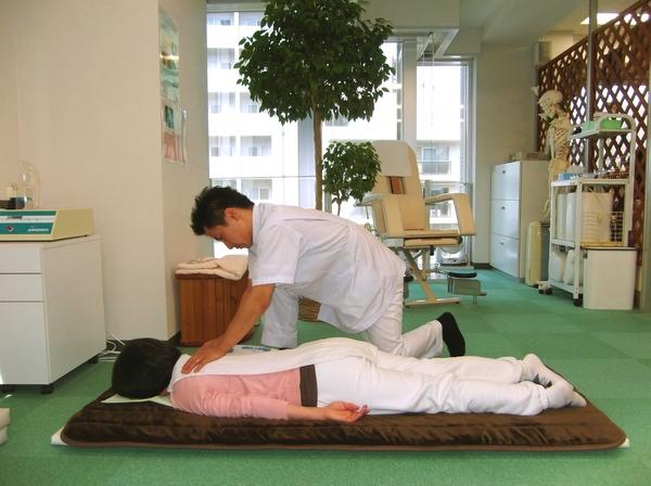 横浜でよく効くと人気の整体院の様子:川井筋系帯療法横浜治療センター