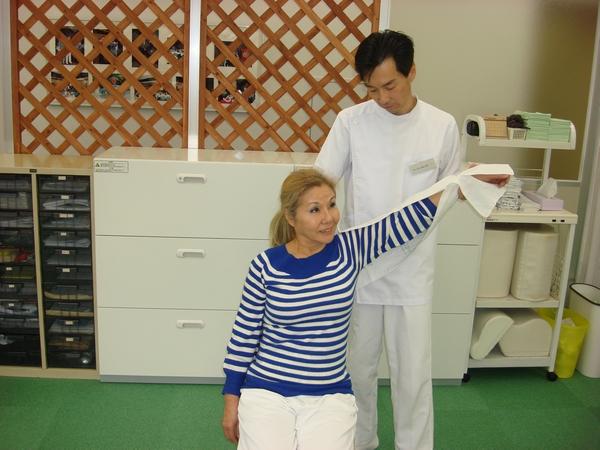 横浜でよく効くと人気の整体院の肩こり治療:川井筋系帯療法横浜治療センター