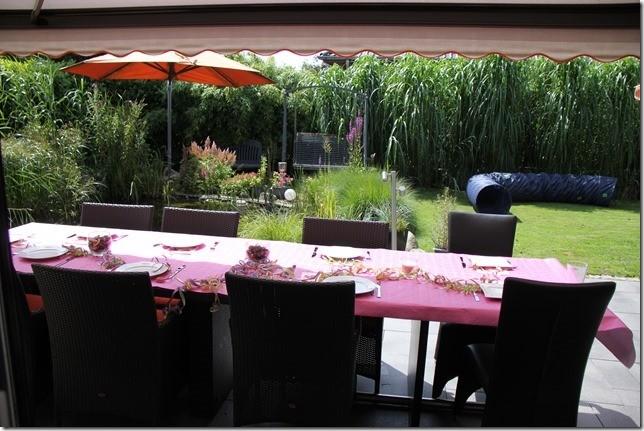 Tisch decken für die Gäste