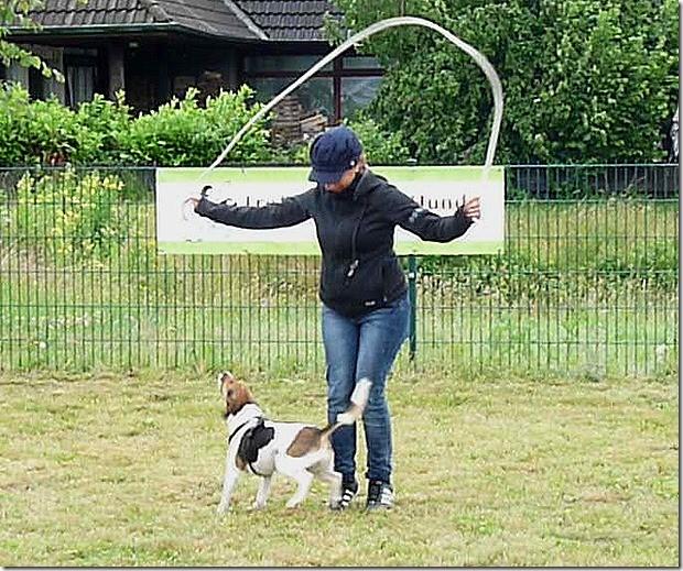Gülcans Spezialität! Seilspringen mit Pascha!! (Das wollen wir auch können) ;-)