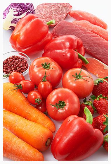 赤の食材(肉や魚、緑黄色野菜など  豚肉、鶏、牛肉、ハム、ウインナー、ベーコン、鮭、鮪、カツオ、アジ、イワシ、サバ、赤貝、トマト、人参、赤ピーマン、赤キャベツ、イチゴ、スイカなど。)