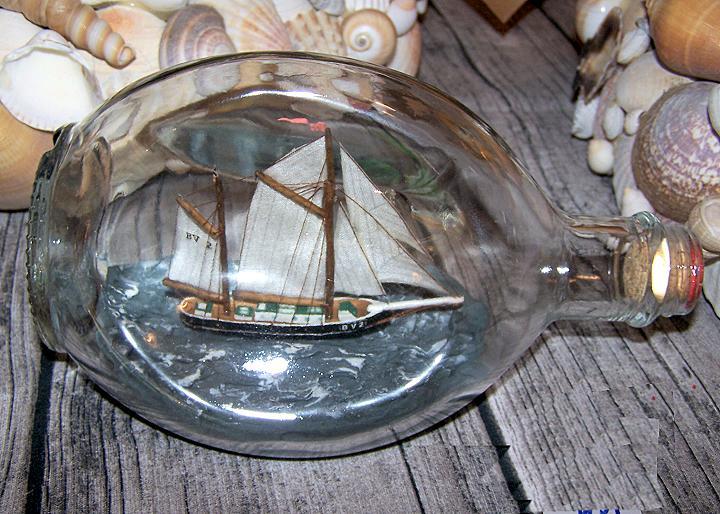 Ein Schiff wird kommen, tralala...  auch zu Ostern ...liebevoll gestaltet von Ute.