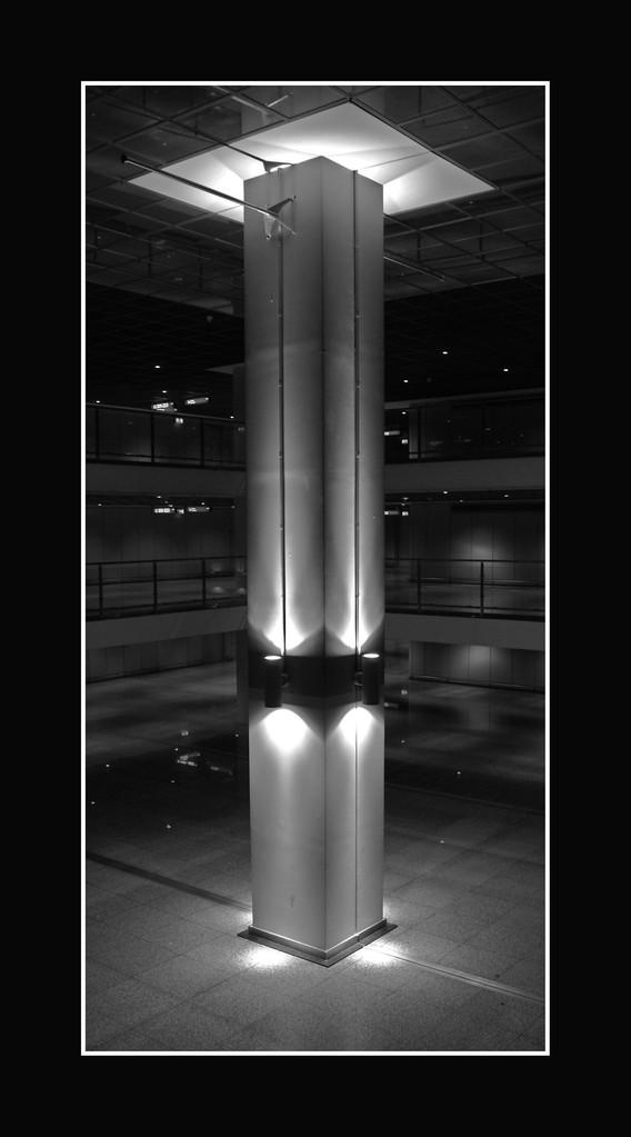 Stele Flughafen Ffm