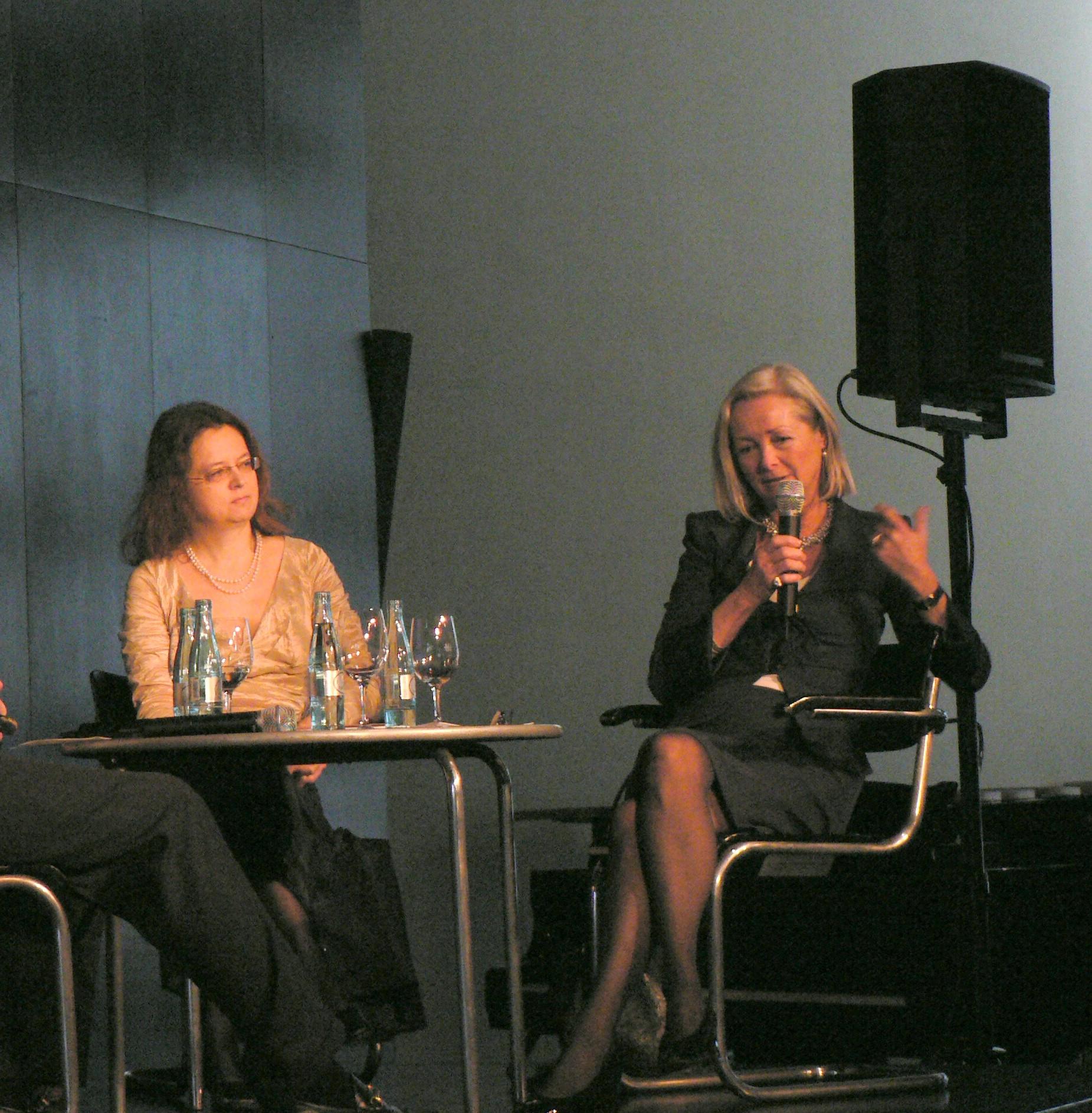 Buchpremiere Schwarzkopf Deutsche Oper Berlin 17.12.2007 (mit Annemarie Schindler)