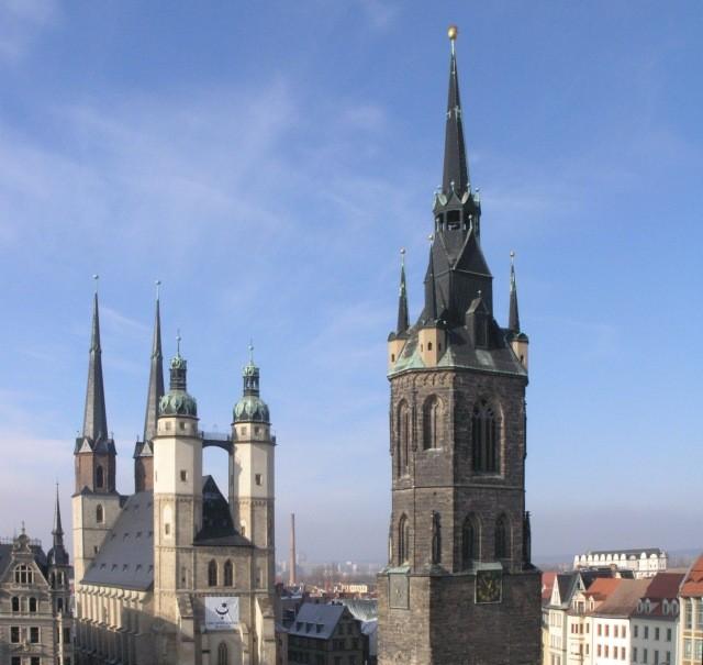 Marktkirche und Roter Turm