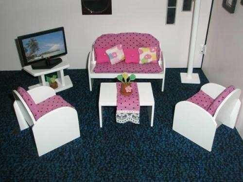 Mobiliario para la Barbie.