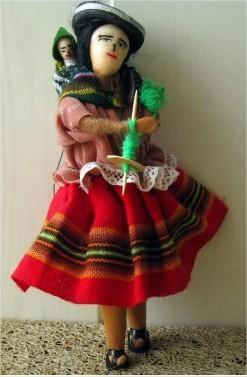 De trapo y madera. Boliviana.