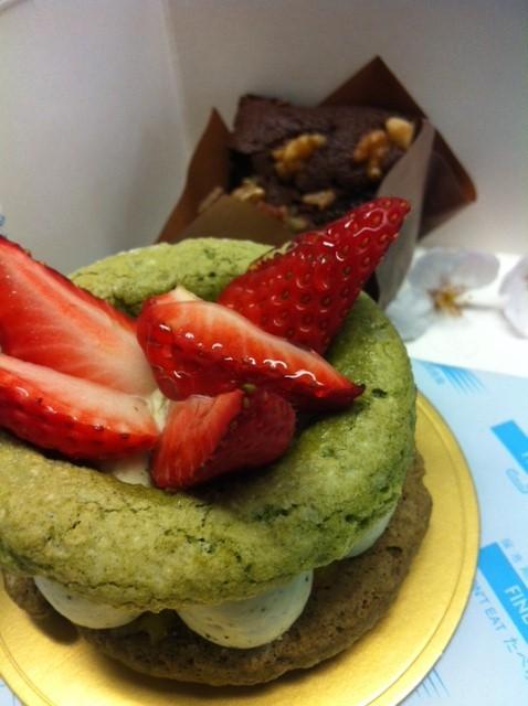 この雰囲気のケーキ初めてなんですけど!で、お味は、、超まいう~でした♪