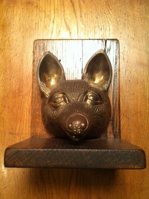 真鍮製のキツネのブックエンド、、ビックリするほど重たいです!w