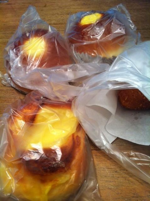 ドナルドダックのパンをいただいた! オーブンで焼いて今朝の朝食にしました♪ 長谷川さんいつもありがとうございます♪