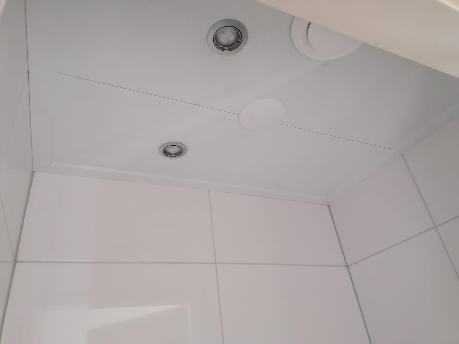 Plafondafwerking - toilet & badkamer