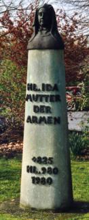 Ida-Büste auf Anröchter Dolomitstein