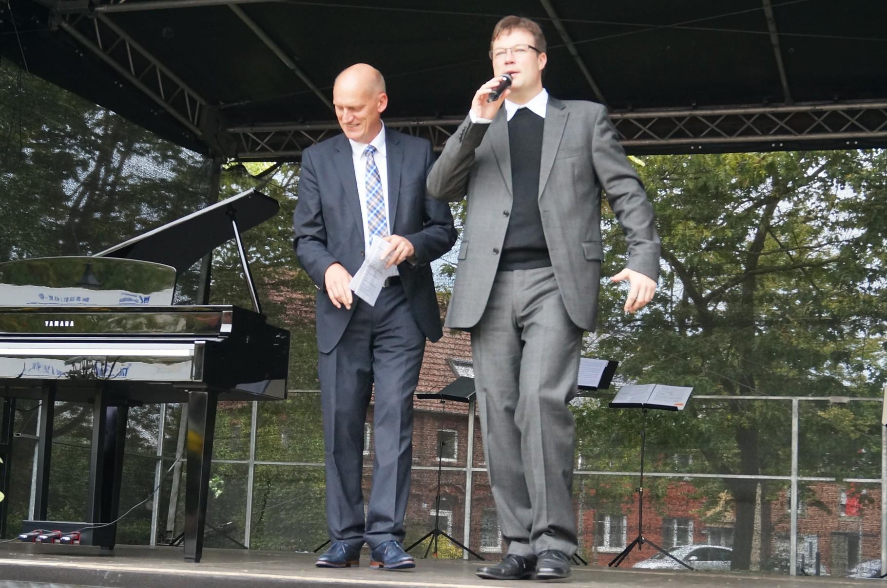 Begrüßung durch Pastor Jochen Kosmann