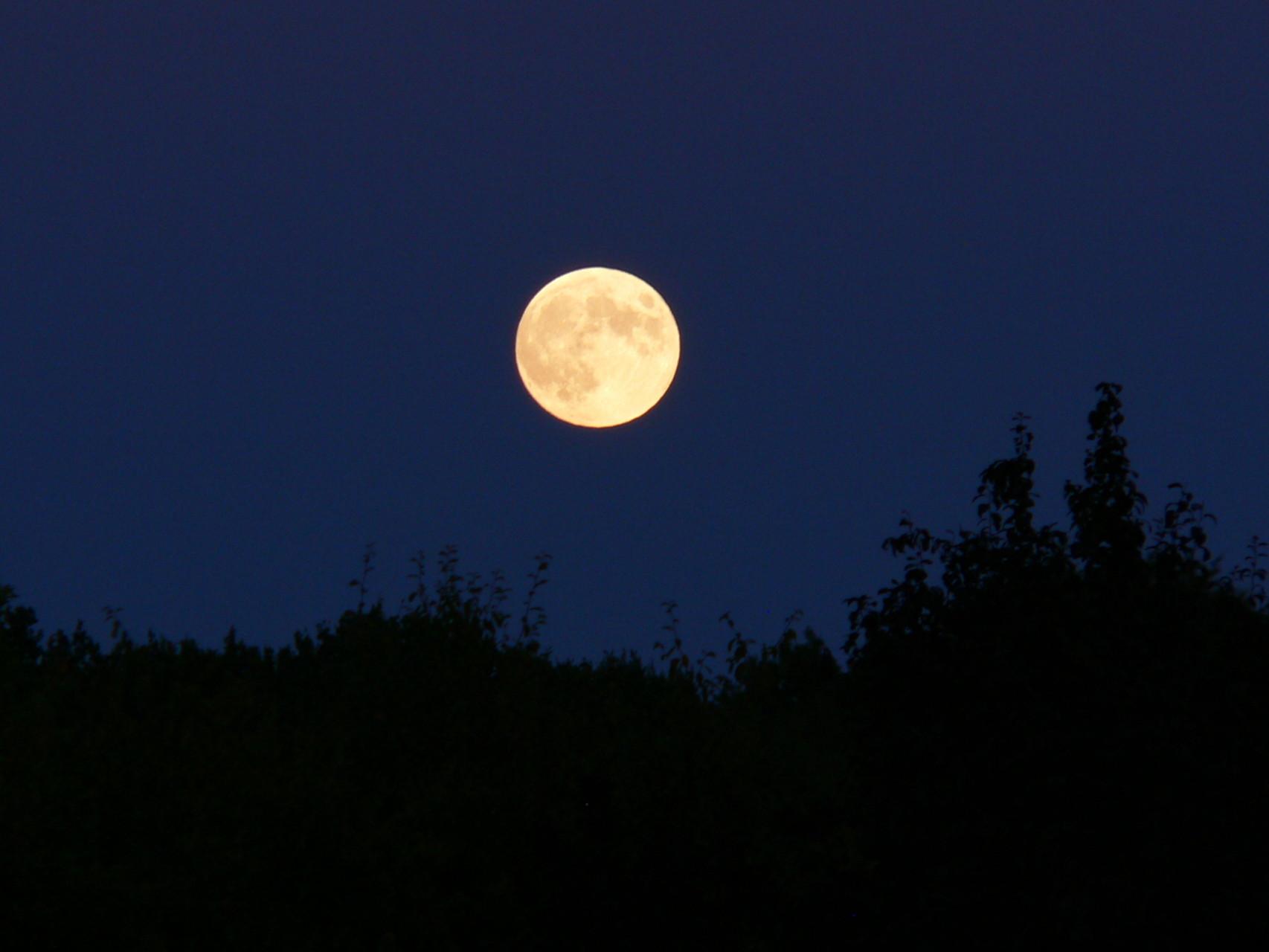 Lune rousse - 16 juillet 2010