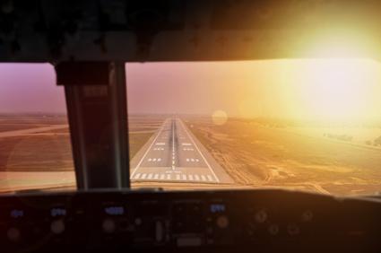 Volez entre deux aéroports par mauvais temps et atterrir. Tester vos compétences. Une expérience inoubliable.
